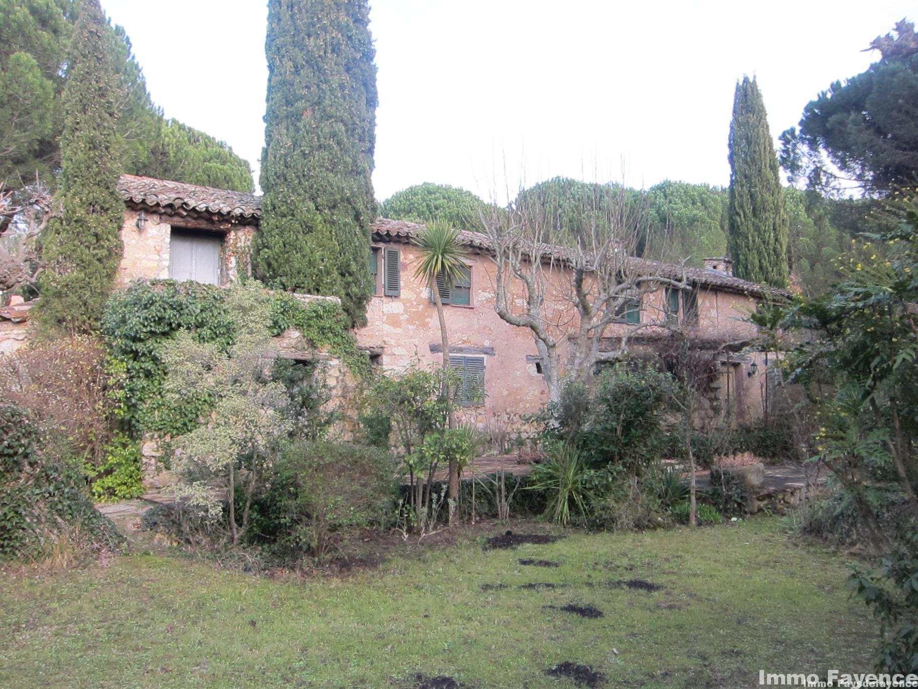 Pays de Fayence Immobilier Hameau 8 maisons sur 3 hectares