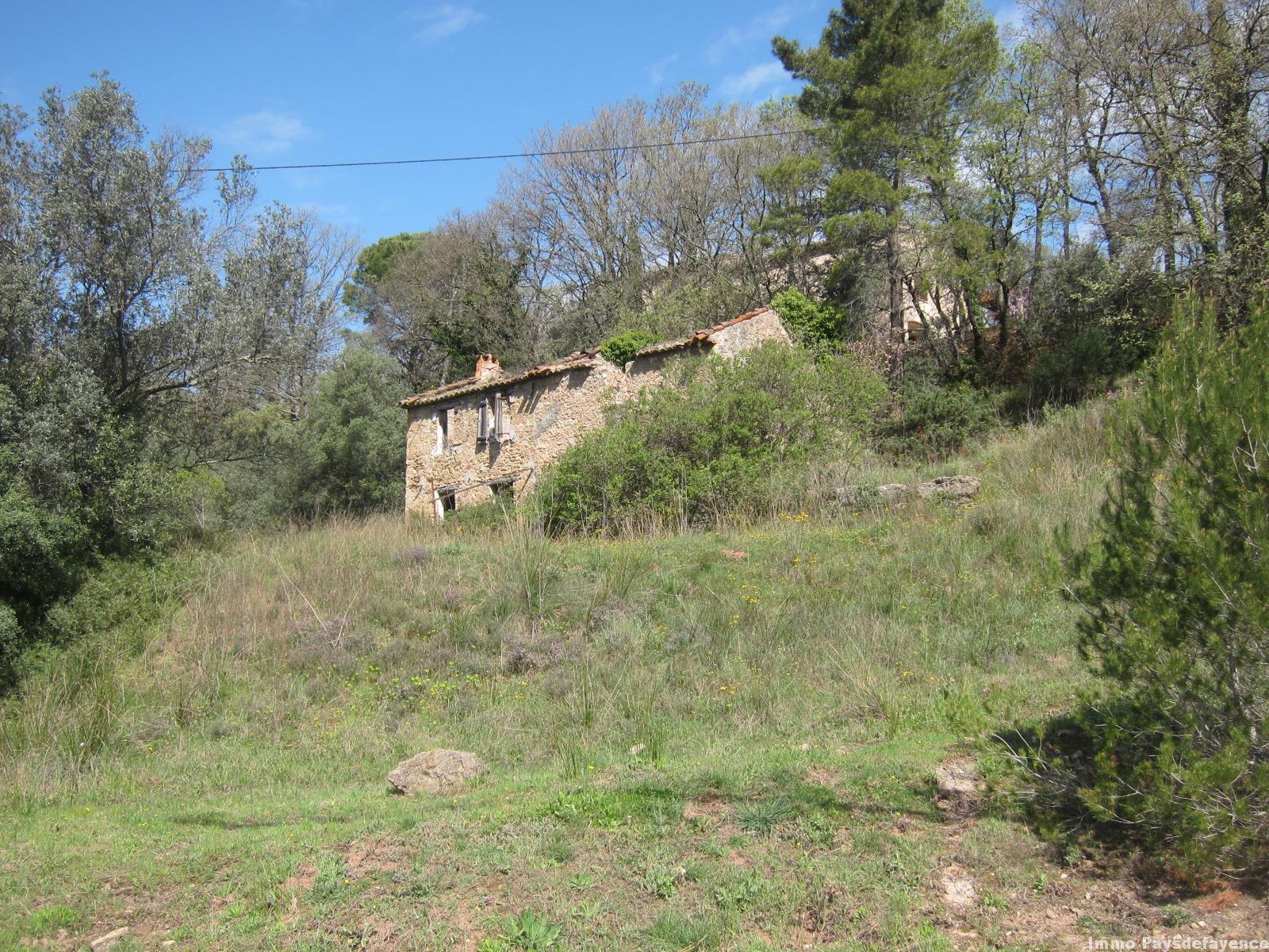 Terrain à bâtir Pays de Fayence 1600 m² avec bastide en pierre