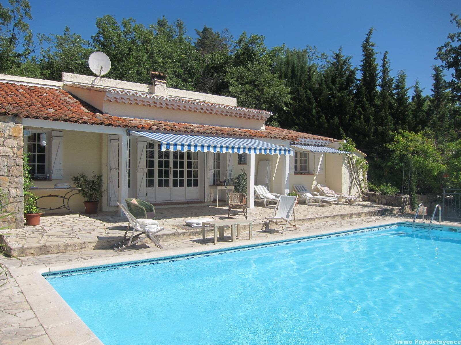 Villa avec piscine et dépendances sur 2000 m²